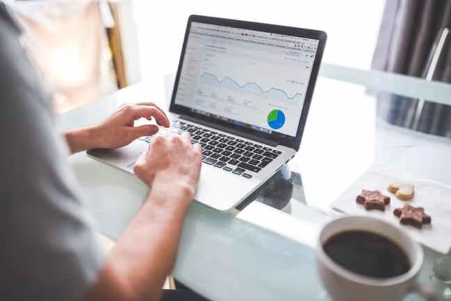 laptop-and-analytics