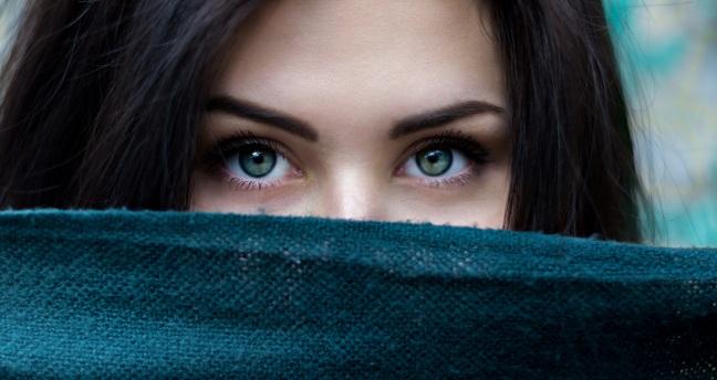 woman-eyes